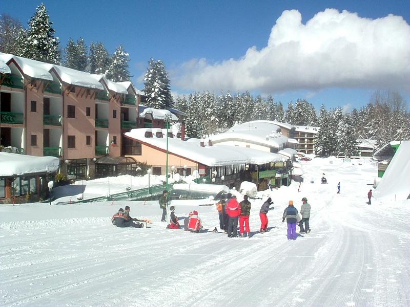 Si impara con lo snowboard attachment villaggio for Villaggio palumbo